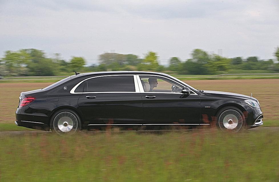 Basierend auf: Mercedes-Maybach-STRETCHE