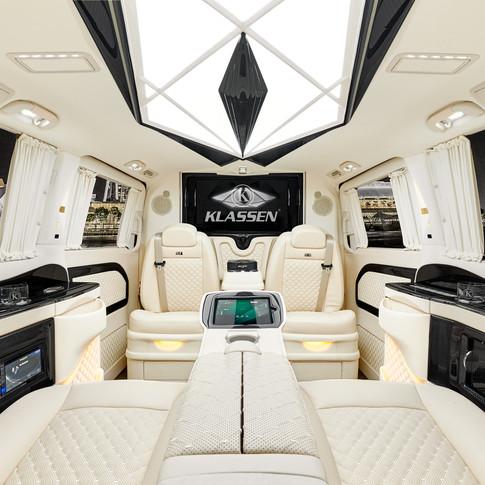 Wir präsentieren Ihnen hier die edelsten Luxusautos, Vans und Busse der Welt.