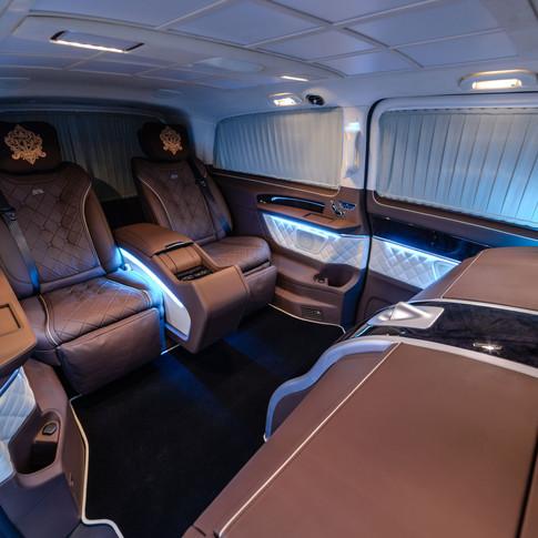 V-Klasse VIP, maßgeschneiderte Erweiterungen basierend auf der neuen Mercedes-Benz V-Klasse & Vito