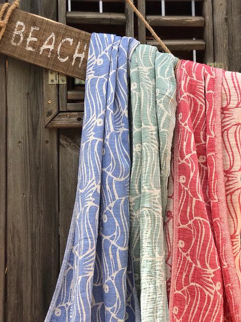 מגבות חוף דגים בצבעים שונים