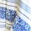 מפת שולחן בצבע כחול ולבן