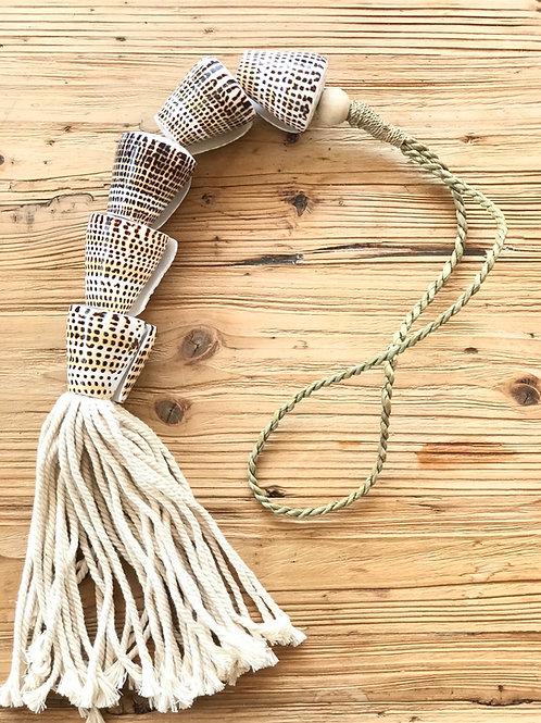 Sumatra decorating necklace