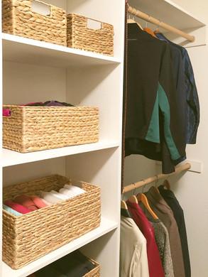 closet organize.jpg