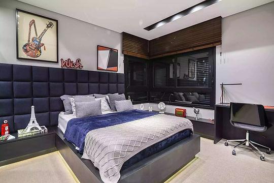 suite 2,2.jpg