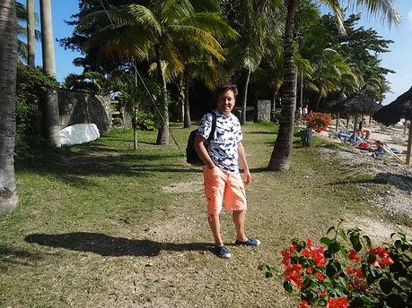 Eric sur la plage de Trou-aux-Biches