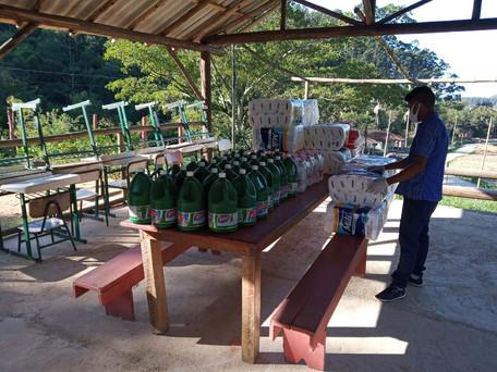 Projeto realiza repasse de itens de higiene pessoal e limpeza para a Aldeia Tava'í