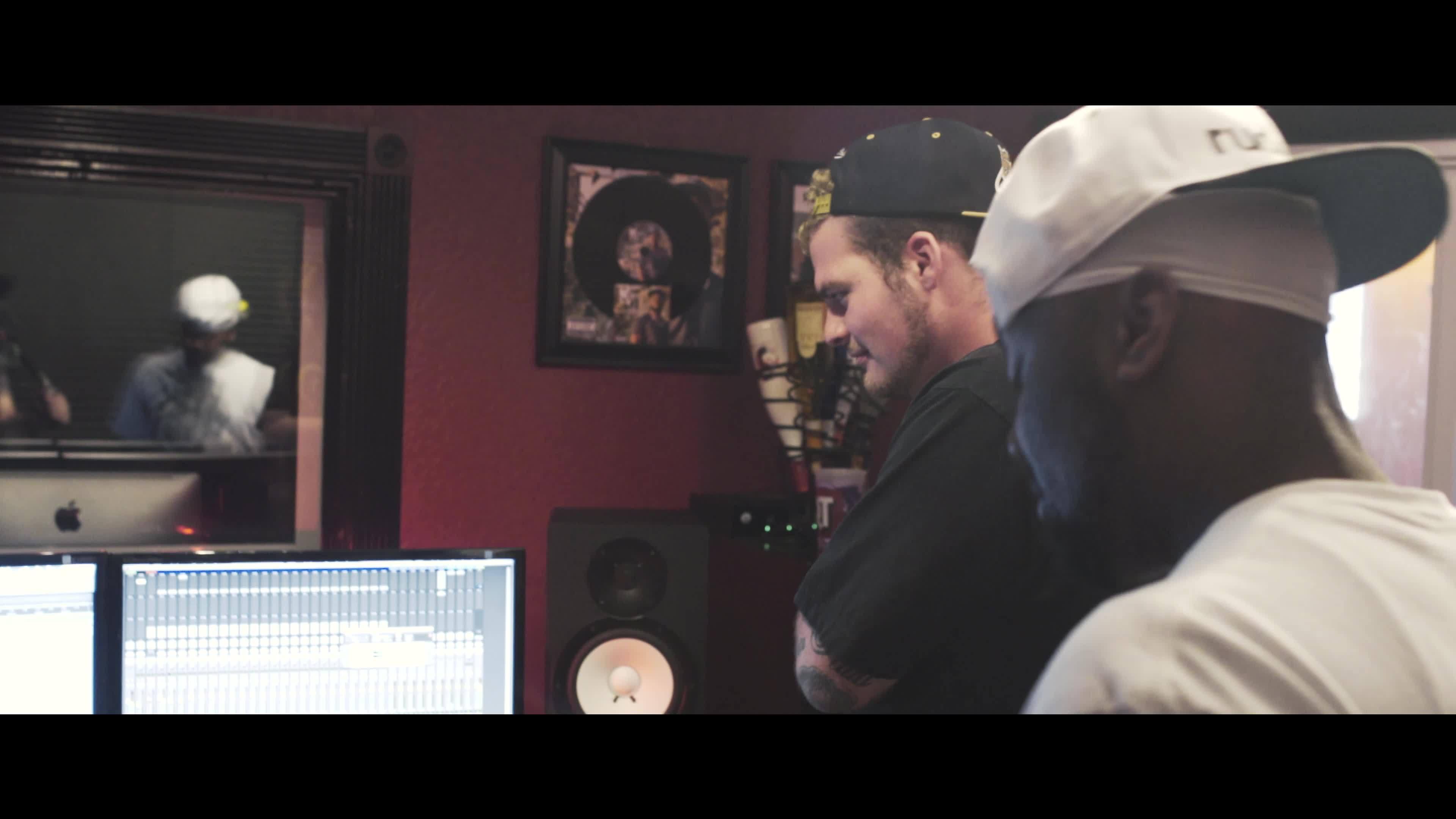 500MICS Studio Interview