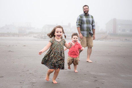 Higgins Beach (in the fog!) ~ Lifestyle family session ~ Scarborough, ME