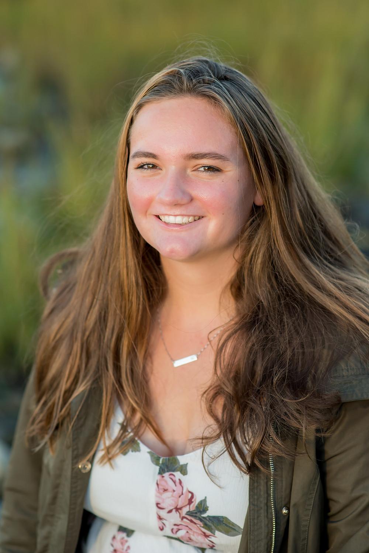 HS senior portraits girl