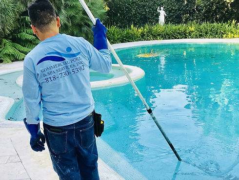 pool cleaning 1 .jpg