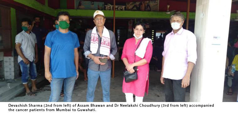 Devashish Sharma (2nd from left) of Assam Bhawan and Dr Neelakshi Choudhury (3rd from left) accompanied the patients from Mumbai to Guwahati.