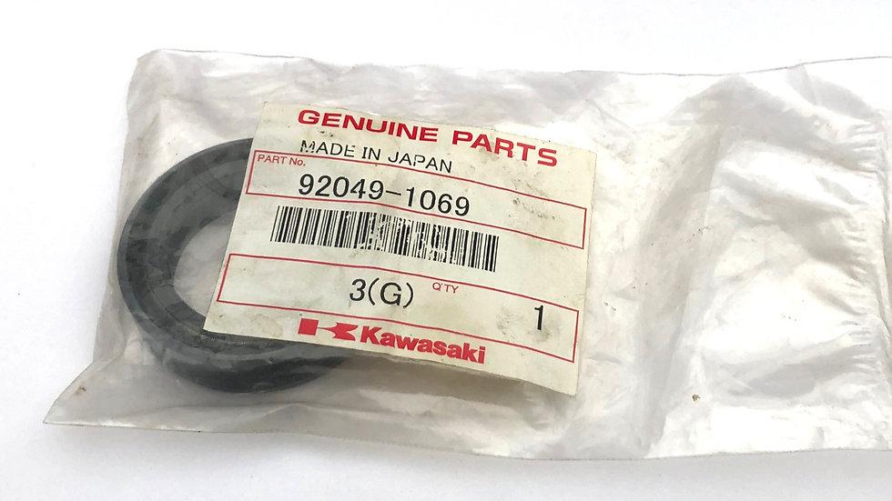 92049-1069 Front Bevel Box Oil Seal Z1100