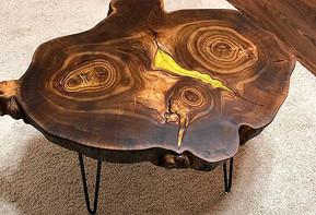 Круглый столик из спила карагача