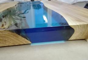 Классический стол-река от Дениса