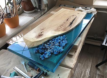 Такого вы еще не видели: стол-река в технике petri!
