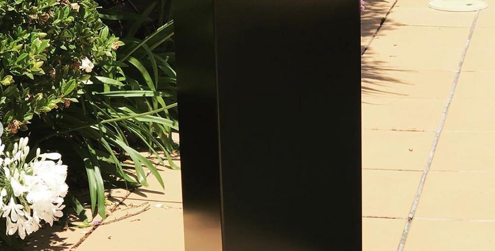 BLACK POWDER COATED COLUMN 300
