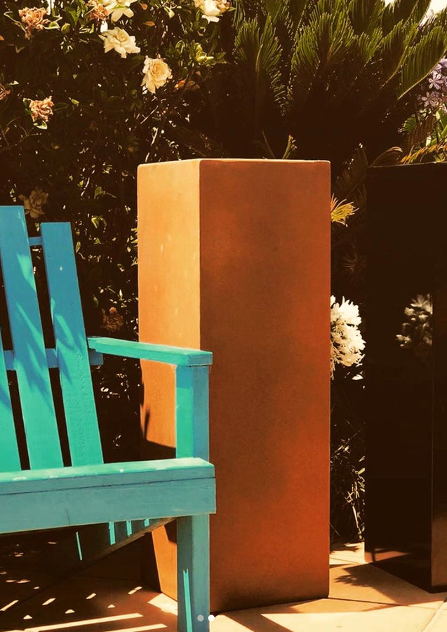 Corten%20and%20Black%20Tall%20Column_edi