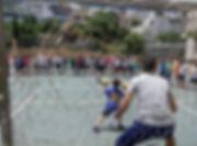 תלמידי ביסודי משחקים כדורגל
