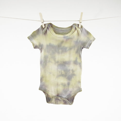 Rainbow Color Splash Dip Dyed Organic bodysuit in 3-6m