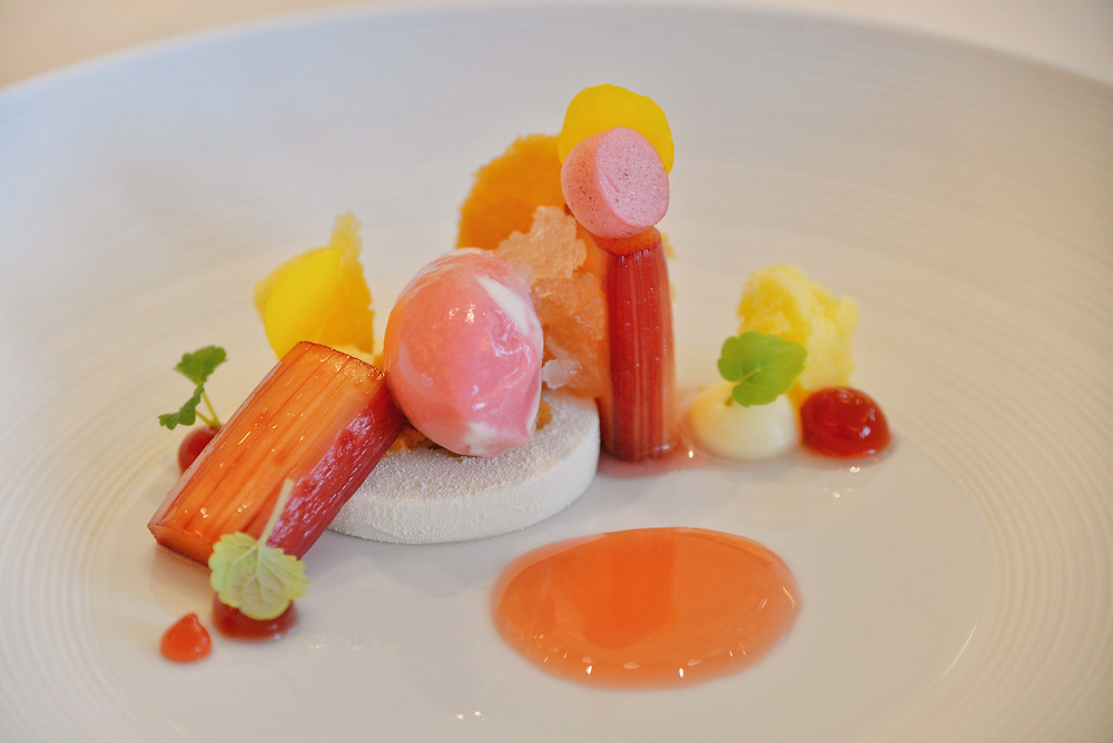 "Felchlin ""Opus blanc"" chocolate, rhubarb, Greek yoghurt and champagne"