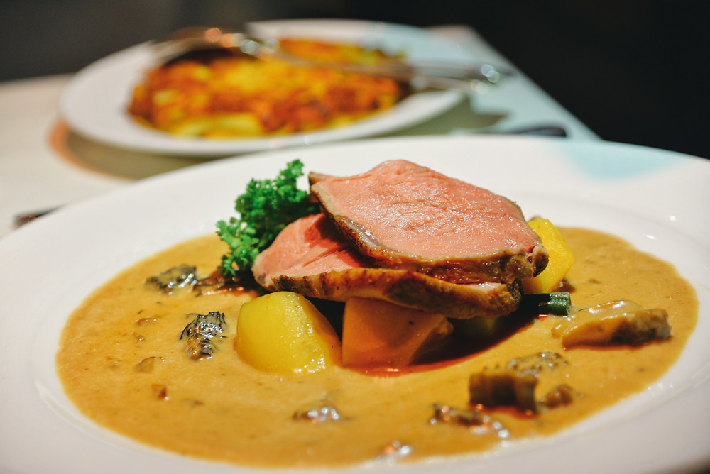 roasted Swiss «Prime» rack of veal, made in the low temperature oven with Rösti as a side dish