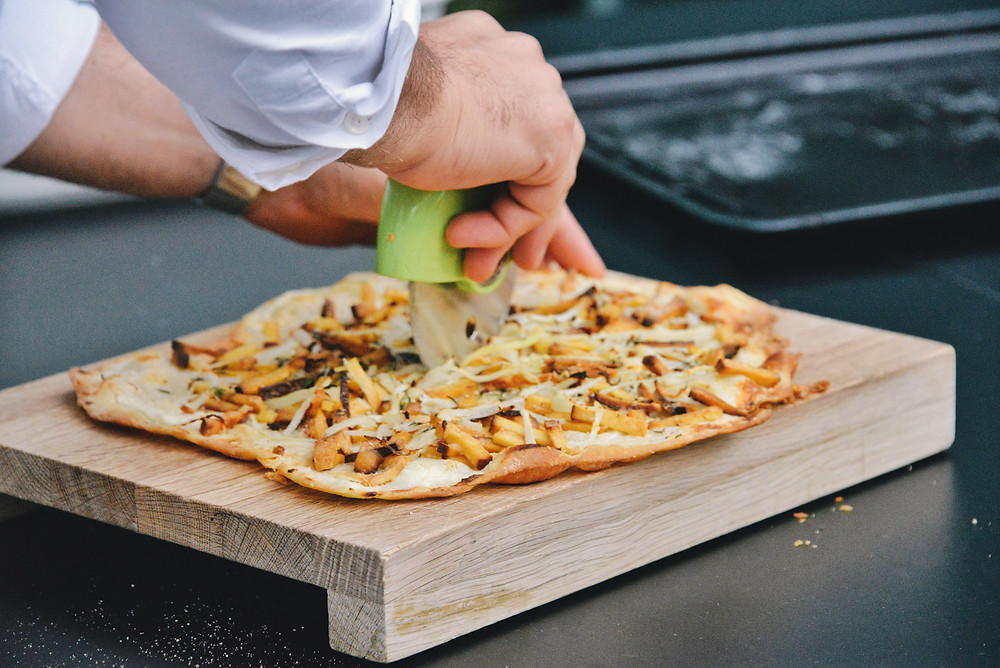 serving the tarte flambée