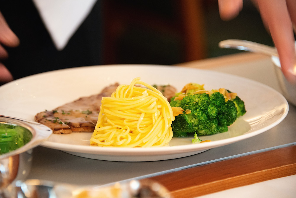 veal piccata with lemon butter sauce, butter noodles and broccoli
