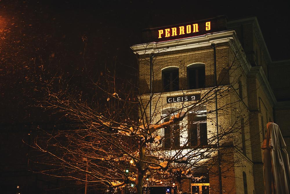 Perron 9