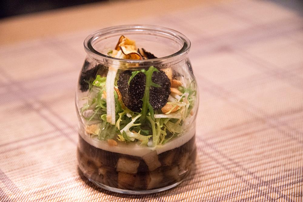 Jerusalem artichokes with frisée salad and Perigord truffle