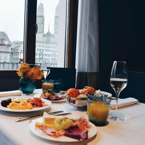 Royal brunch with a view | Storchen Zürich