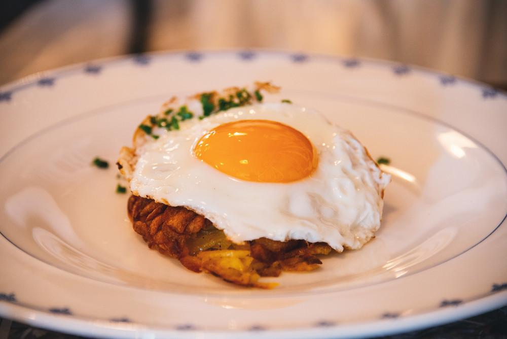 fresh Rösti with an egg sunny side up