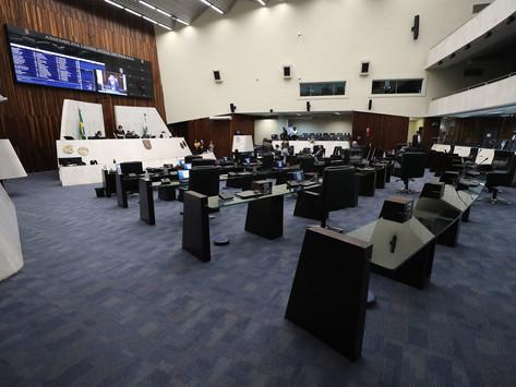 Deputados apresentam emenda para barrar ensino domiciliar no Paraná
