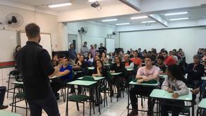 Debate sobre educação em Jacarezinho a entrega de materiais em Nova Fátima e Ribeirão do Pinhal. Con