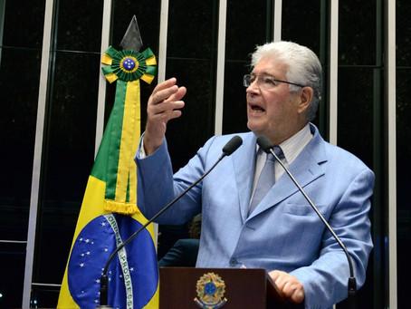 """A """"novidade"""" na política acabou afundando-se na lama, observa Requião"""