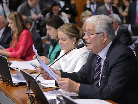 Abuso de autoridade: Requião lê relatório mas votação é adiada, de novo
