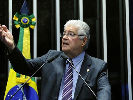 Requião defende integridade do Exército e apresenta projeto contra banalização das FFAA