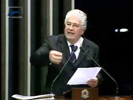 """Requião contesta """"O Globo"""" e mostra importância do projeto de Direito de Resposta"""