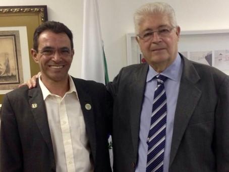 Requião pede urgência para projeto que extingue prisão disciplinar para PMs
