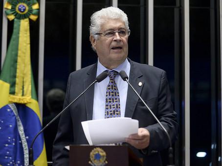 Requião lança a ideia de um congresso nacional dos brasileiros para tirar o Brasil dos bandidos e do