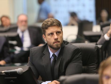 TCE avisa: Casa Civil opera no escuro. Requião Filho tem a solução
