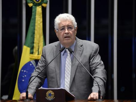 Gestão empresarial da Petrobras dá lucro aos acionistas e ferra o povo, diz Requião.