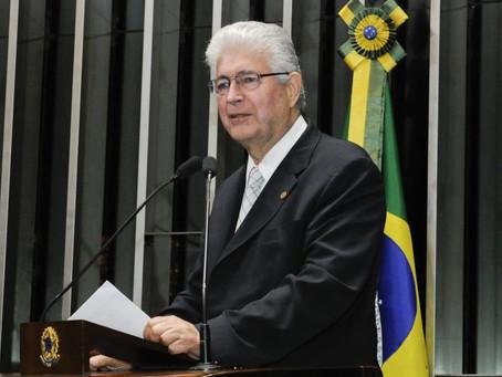 Requião diz que trocaria condenação de Boechat por direito de resposta