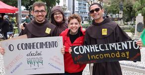 Manifesto de estudantes contra o corte de recursos para o Ensino Superior toma as ruas da capital