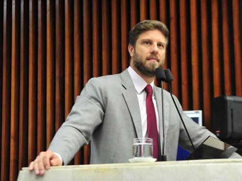 Projeto de Requião Filho quer impedir realização de processo seletivo presencial