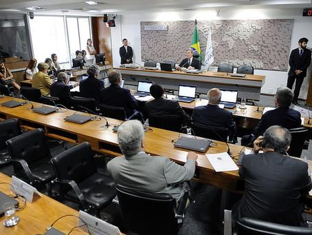 Requião quer suspensão  de norma da ANTT sobre transporte coletivo
