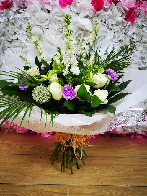 white and lilac bouquet