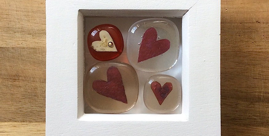 Framed Heart Stones clear/blush/red