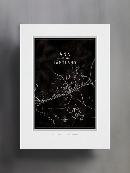 Handtecknad poster i akvarell i färgen svart, en karta över Ånn, Jämtland