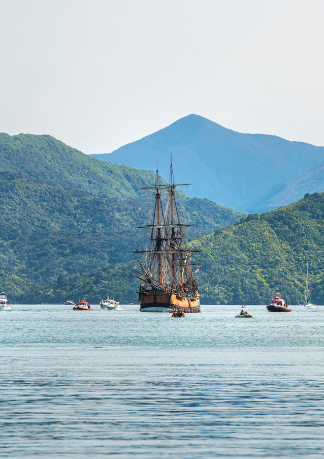 Tuia_250_ki_Tōtaranui._Photo_Richard_Bri