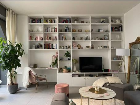 Une bibliothèque jusqu'au plafond